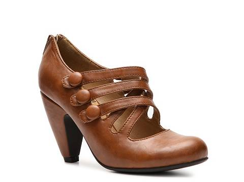 Image via DSW Shoes