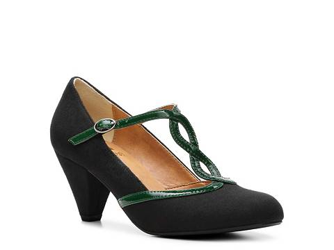 50b41848c89 Vintage Reproduction Shoes on a Budget  Crown Vintage Shoes at DSW ...